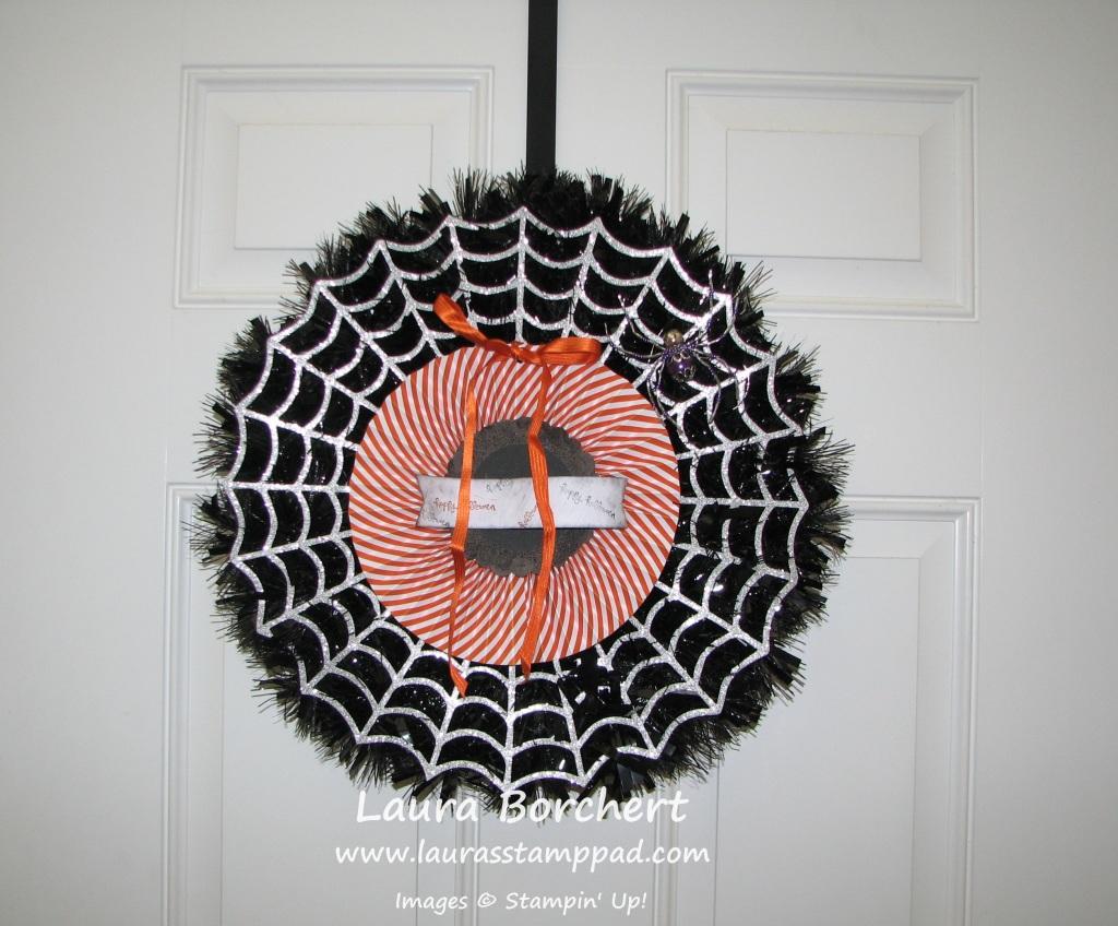 Frightful Wreath, www.LaurasStampPad.com