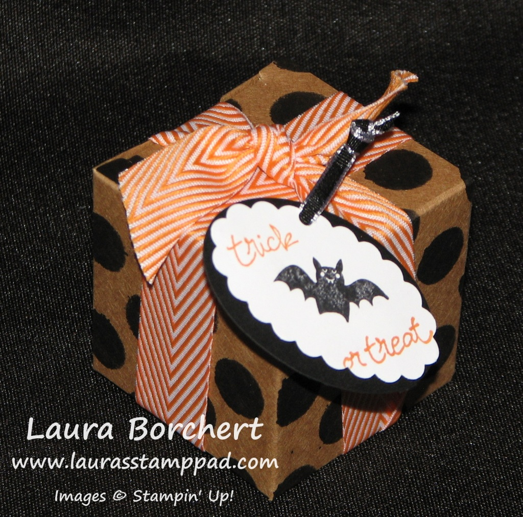 Halloween Treat Box, www.LaurasStampPad.com