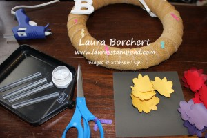 Wreath Assemble, www.LaurasStampPad.com