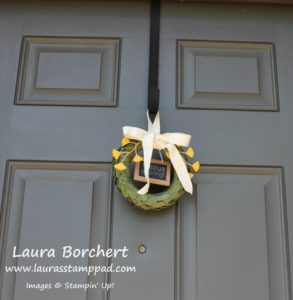 Lovely Little Wreath, www.LaurasStampPad.com