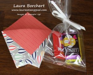 Balloon Treat Pocket, www.LaurasStampPad.com